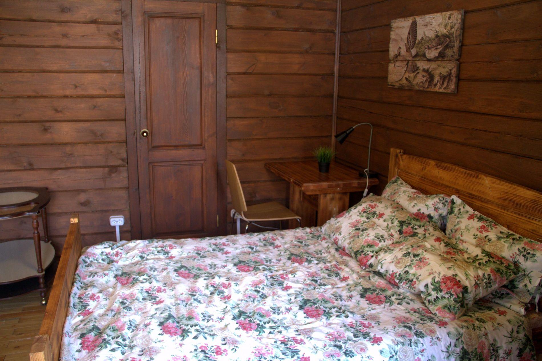 База отдыха «Кругобайкальская» Иркутская область Улучшенный 3-местный номер, фото 4