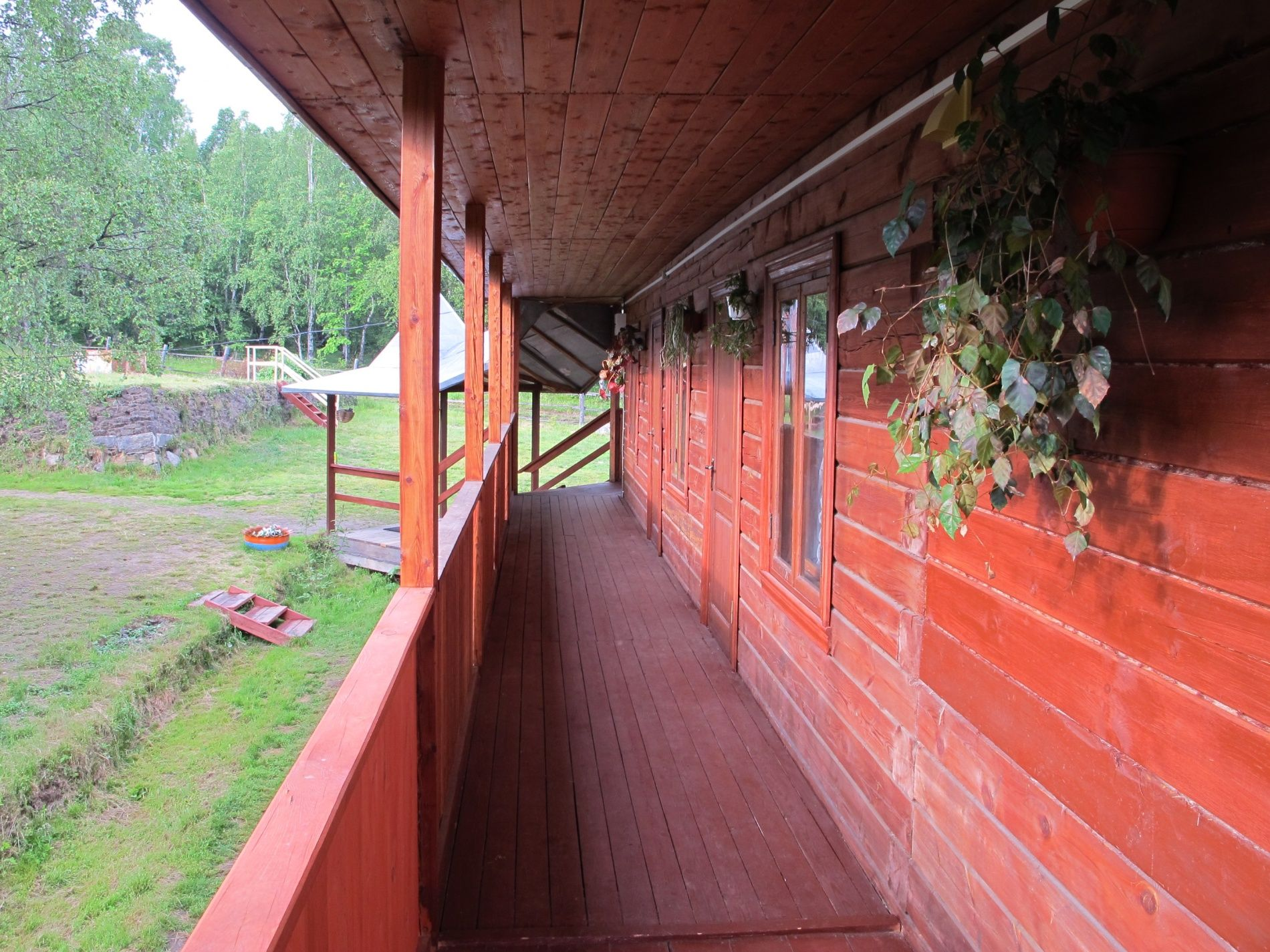 База отдыха «Кругобайкальская» Иркутская область Улучшенный 3-местный номер, фото 3