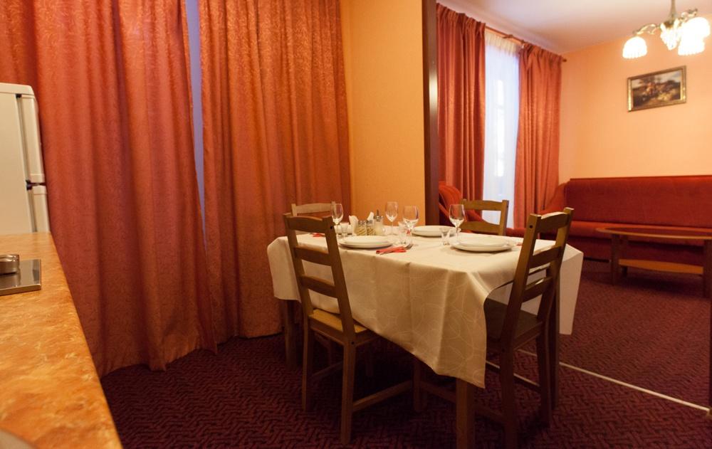 Отель «Домик Охотника» Ленинградская область Апартаменты 1-комнатные, фото 2