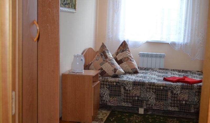 База отдыха «Белый лебедь» Новосибирская область Номер 6-местный в коттедже, фото 2