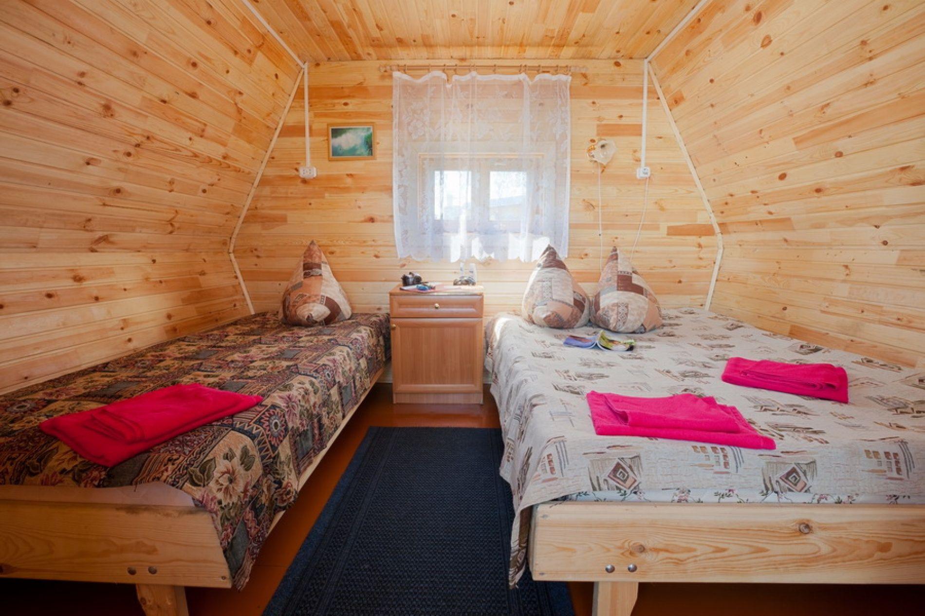 """База отдыха """"Белый лебедь"""" Новосибирская область Летний домик 2-местный, фото 2"""