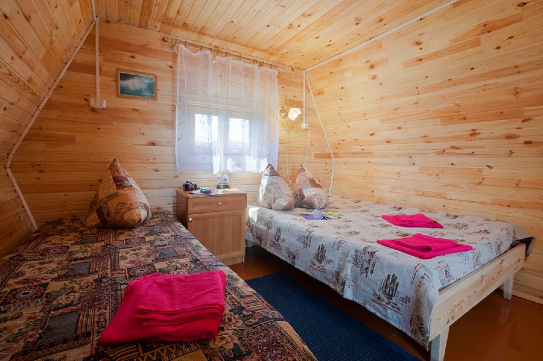 """База отдыха """"Белый лебедь"""" Новосибирская область Летний домик 2-местный, фото 3"""