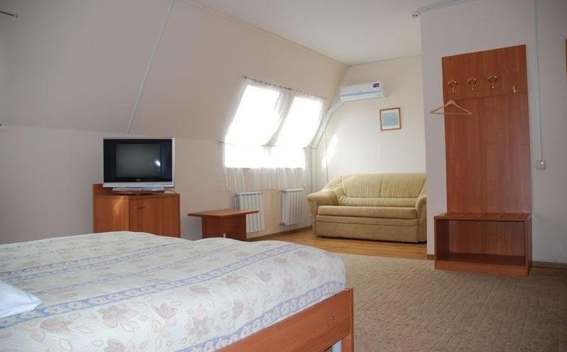 Гостинично-туристический комплекс «Глазова Гора» Ивановская область Номер «Полулюкс» 2-комнатный, фото 1