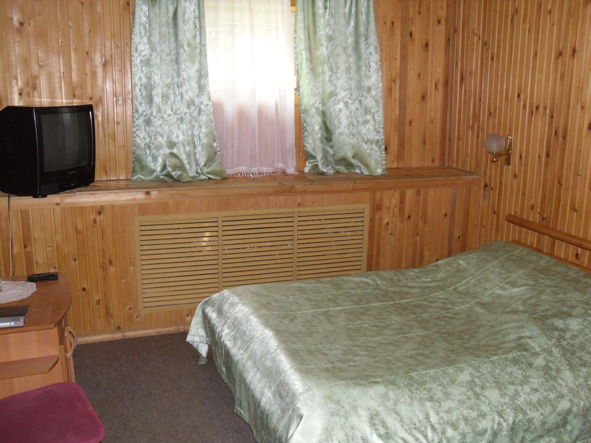 Туристический комплекс «Мирная Пристань» Ивановская область 1-комнатный номер 1 категории (№ 4, 6, 19, 10), фото 3