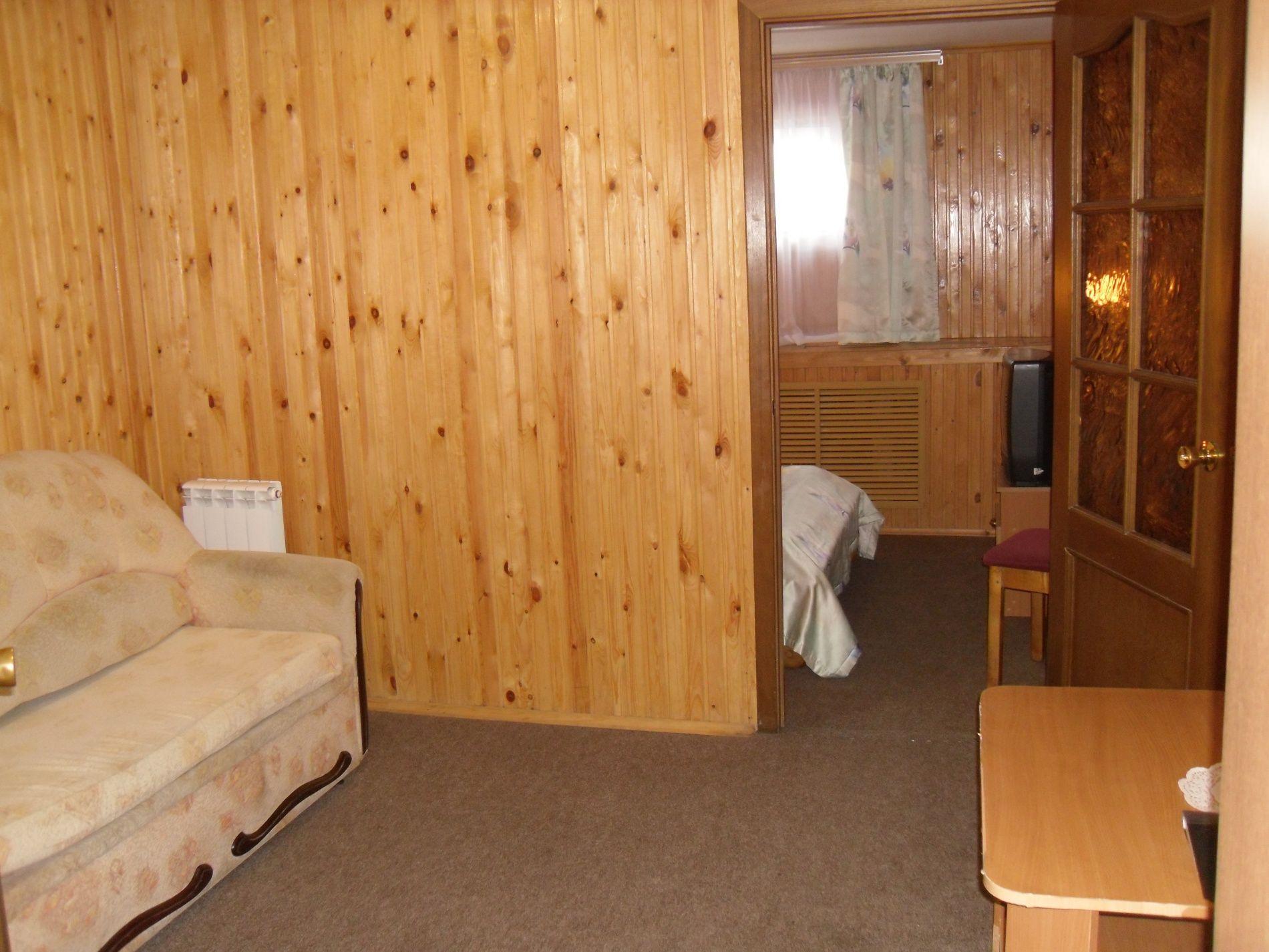 Туристический комплекс «Мирная Пристань» Ивановская область 2-комнатный номер 1 категории (№ 2, 5, 7), фото 5