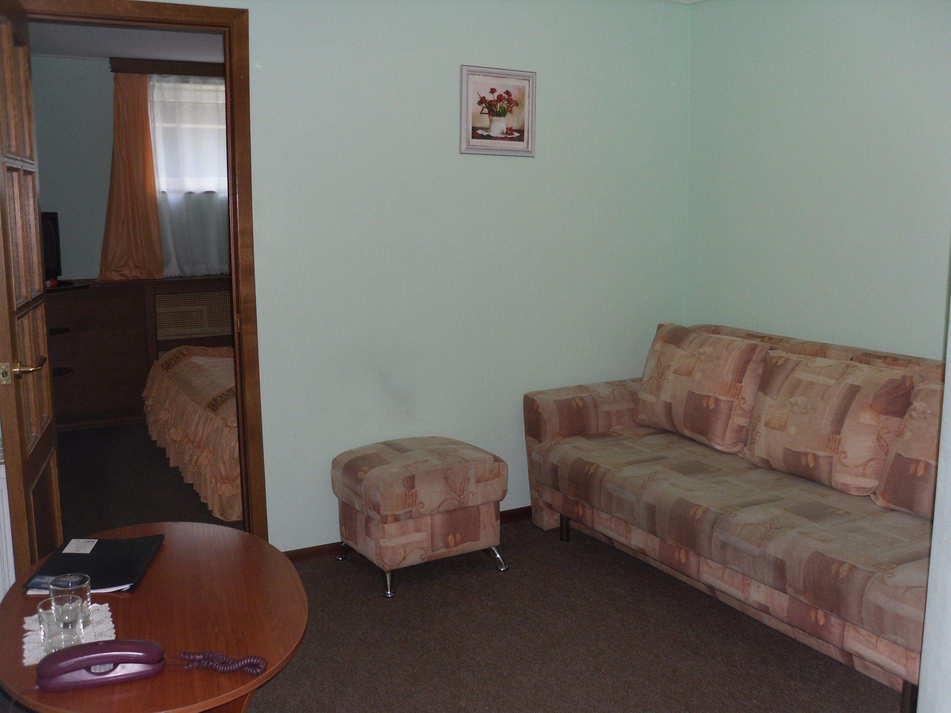 Туристический комплекс «Мирная Пристань» Ивановская область 2-комнатный номер 1 категории (№ 8, 9), фото 6