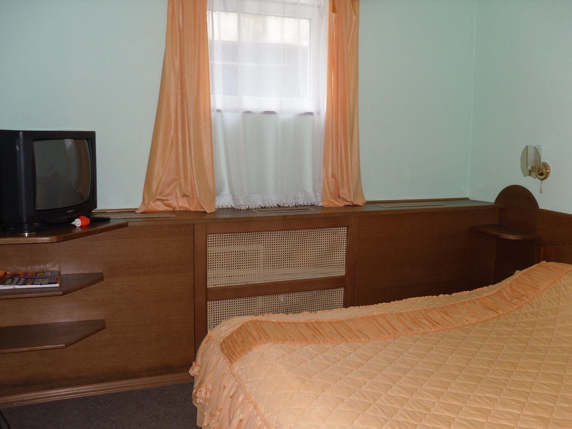 Туристический комплекс «Мирная Пристань» Ивановская область 2-комнатный номер 1 категории (№ 8, 9), фото 5