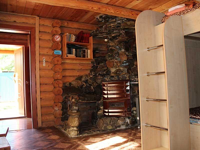 Турбаза «Комбат» Карачаево-Черкесская Республика Домик-сруб 4-местный, фото 2