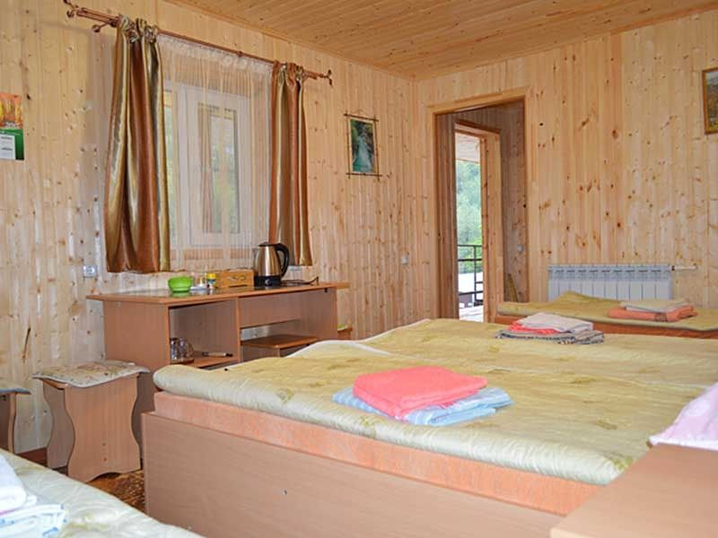 Турбаза «Комбат» Карачаево-Черкесская Республика Номер 4-местный в гостиничном срубе, фото 2
