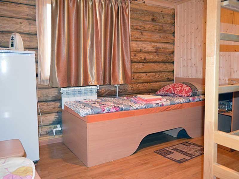 Турбаза «Комбат» Карачаево-Черкесская Республика Номер 3-местный в гостиничном срубе, фото 3