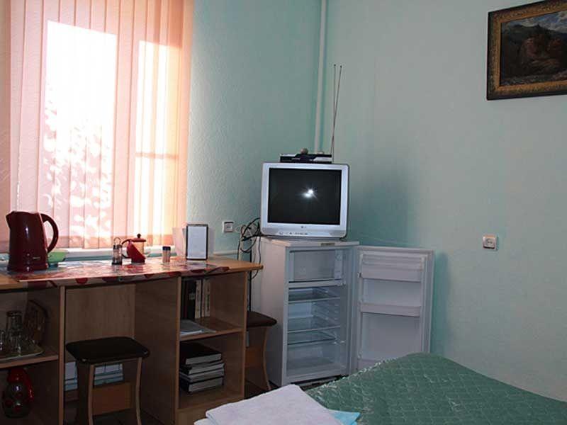 Турбаза «Комбат» Карачаево-Черкесская Республика Номер 2-местный в гостиничном коттедже, фото 4
