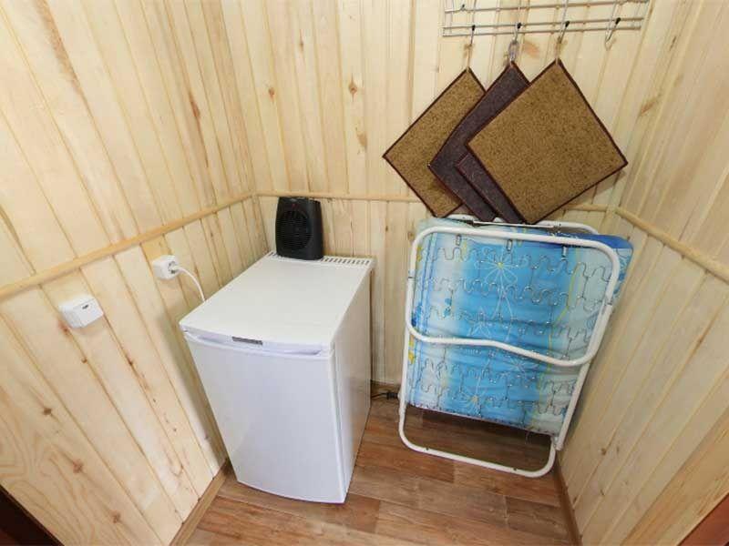Турбаза «Комбат» Карачаево-Черкесская Республика Номер 2-местный в гостиничном срубе, фото 5