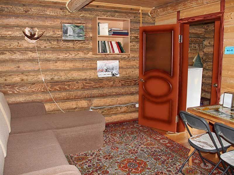 Турбаза «Комбат» Карачаево-Черкесская Республика Домик-сруб 2-местный, фото 1