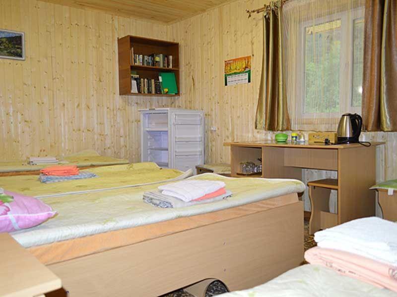 Турбаза «Комбат» Карачаево-Черкесская Республика Номер 4-местный в гостиничном срубе, фото 3