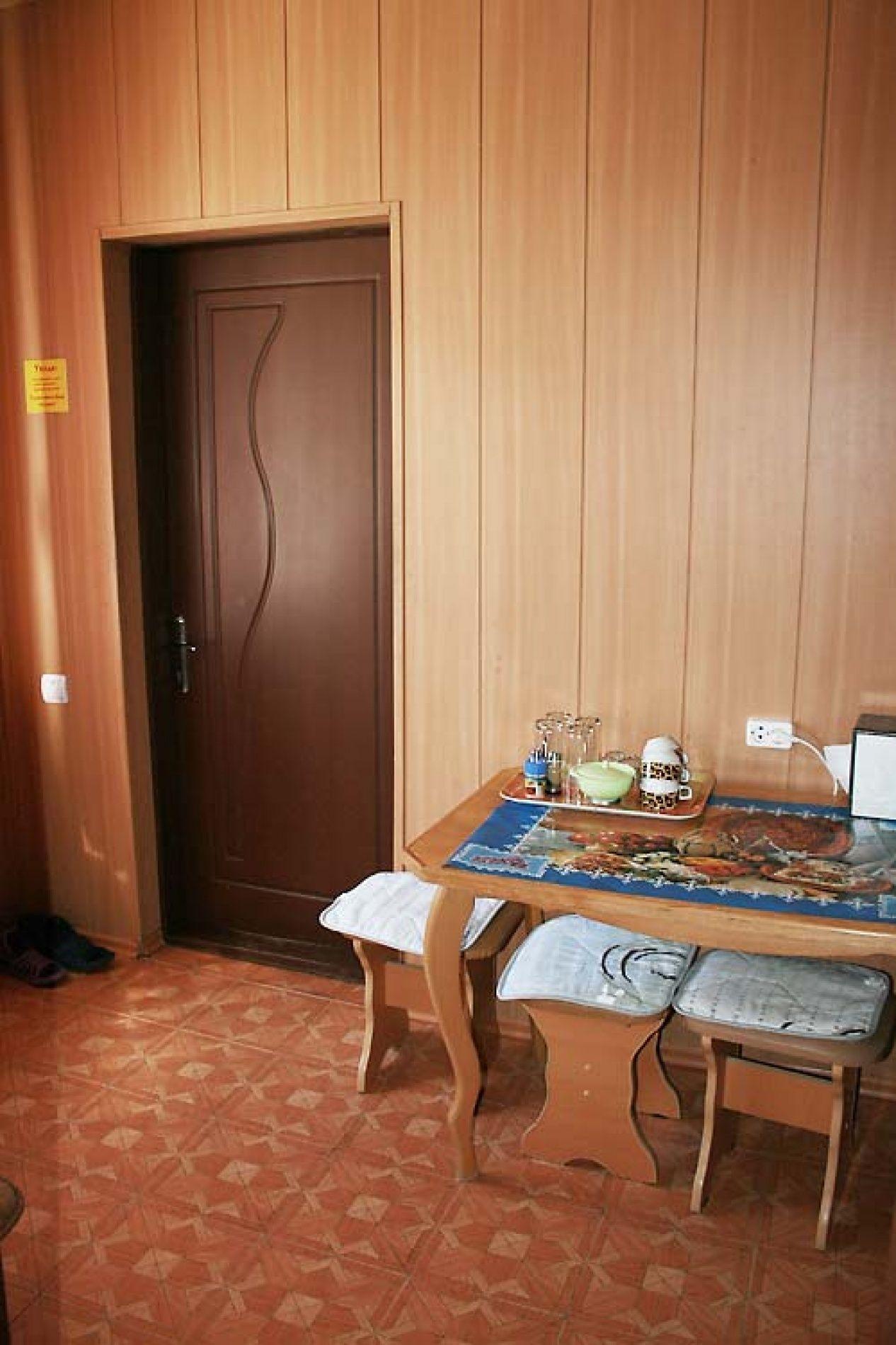 Турбаза «Комбат» Карачаево-Черкесская Республика Номер VIP 4-местный в гостиничном коттедже, фото 2