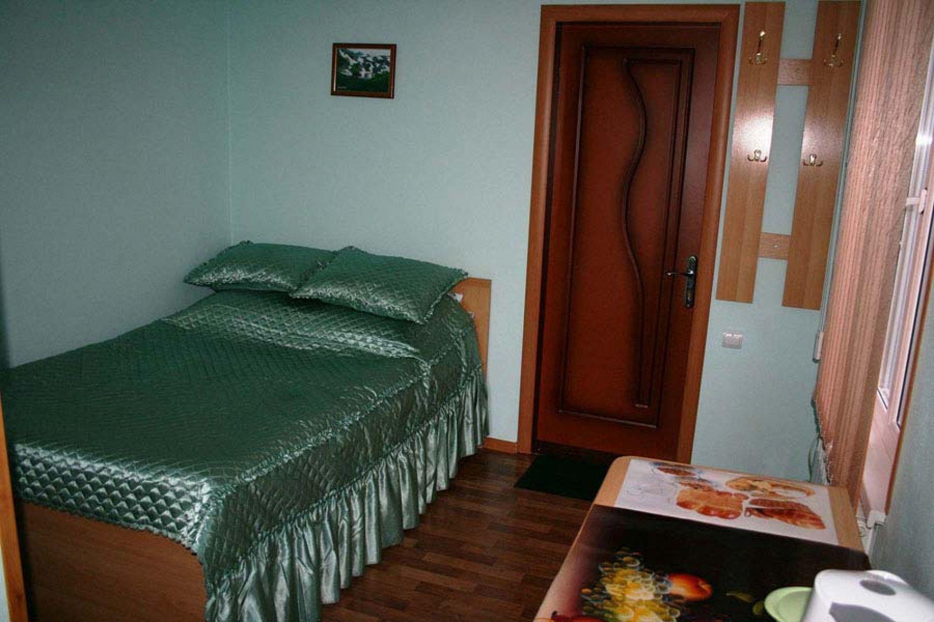Турбаза «Комбат» Карачаево-Черкесская Республика Номер 2-местный в гостиничном коттедже, фото 1