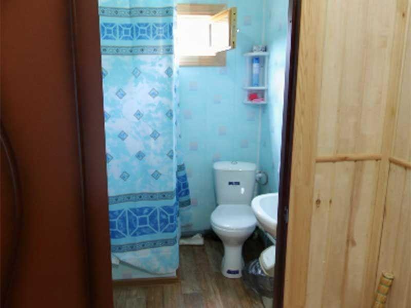 Турбаза «Комбат» Карачаево-Черкесская Республика Номер 2-местный в гостиничном срубе, фото 6