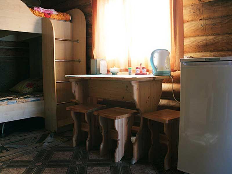 Турбаза «Комбат» Карачаево-Черкесская Республика Домик-сруб 4-местный, фото 3