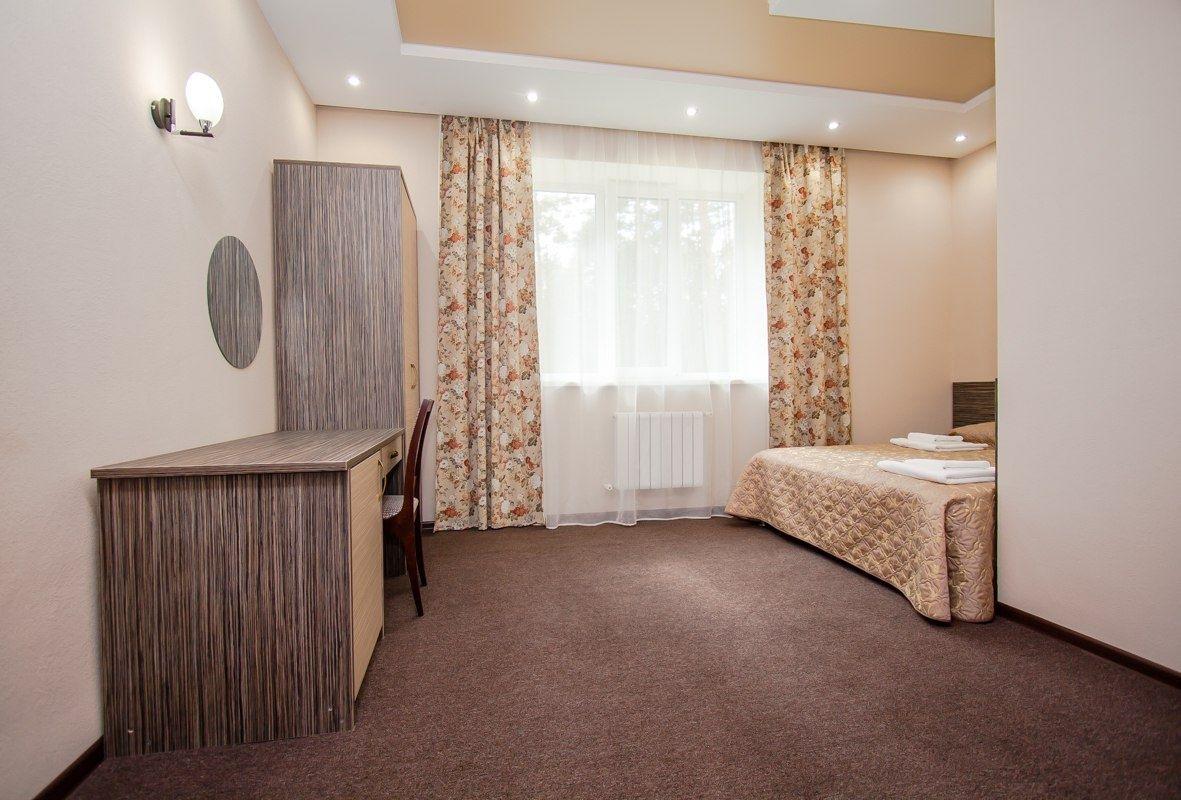 Парк-отель «Юность» Челябинская область 2-комнатный номер «Люкс», фото 2