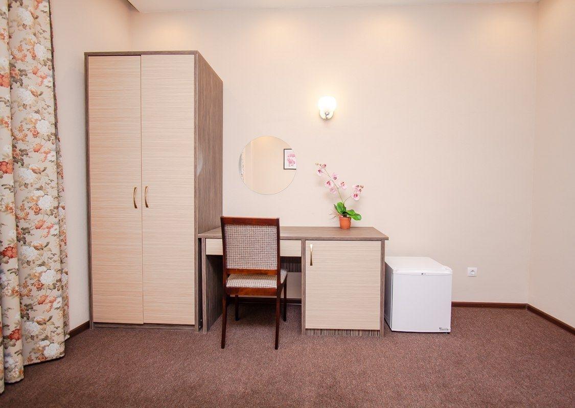 Парк-отель «Юность» Челябинская область 2-комнатный номер «Люкс», фото 5