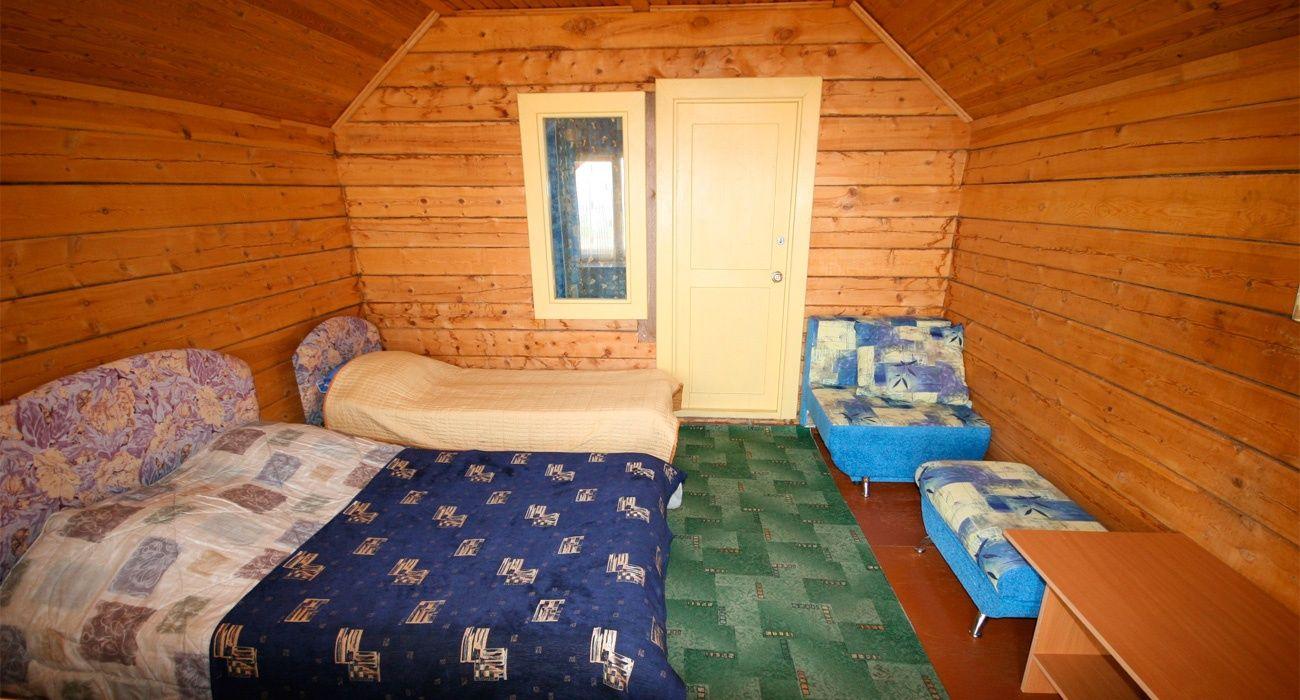 База отдыха «Уюга» Иркутская область Дом «Бунгало» с верандой, фото 1
