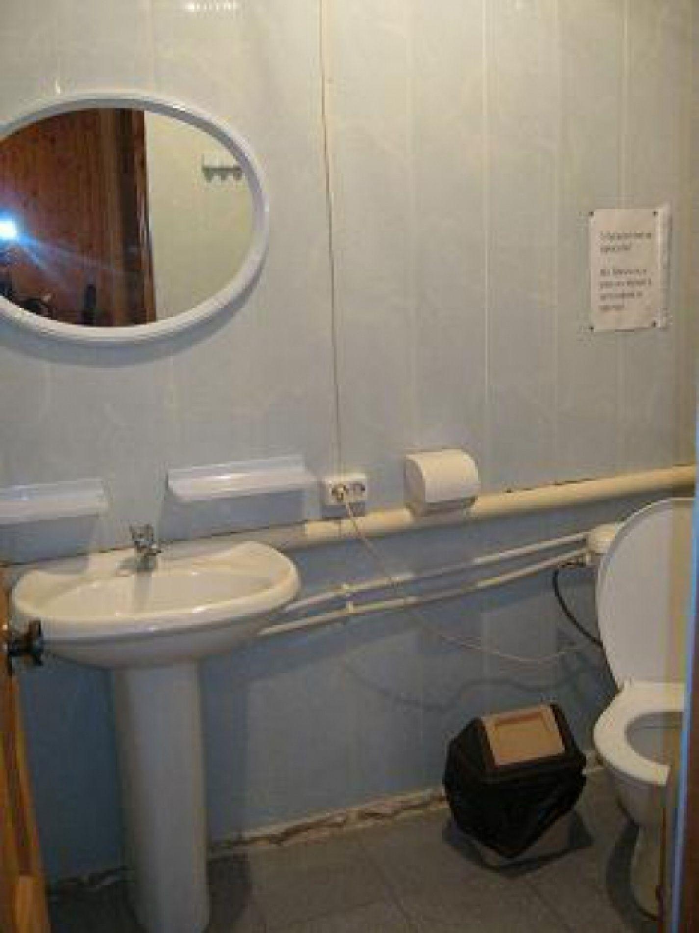 """База отдыха """"Клёвый берег"""" Астраханская область 3-комнатный 5-местный номер стандарт, фото 3"""