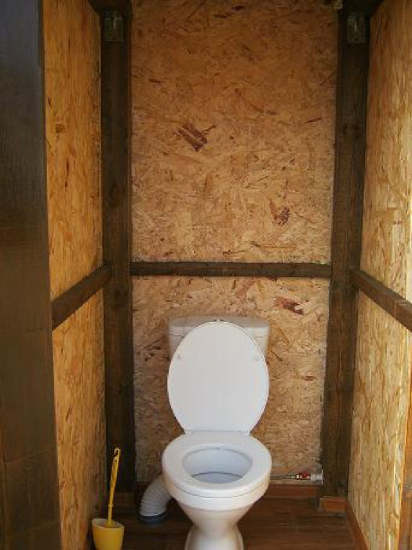 Туалет на даче в доме своими руками фото