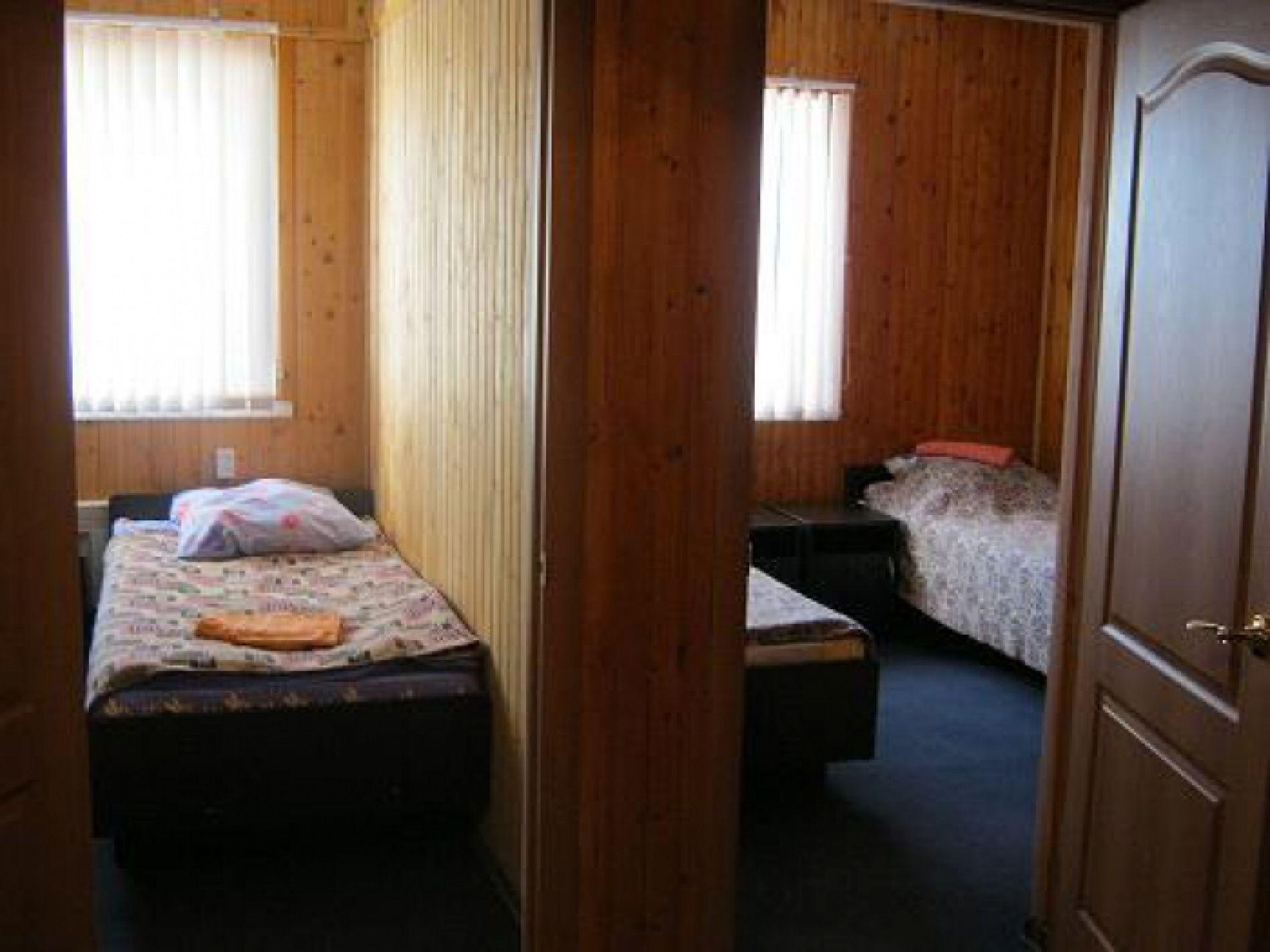 """База отдыха """"Клёвый берег"""" Астраханская область 3-комнатный 4-местный номер (2+2) стандарт, фото 8"""