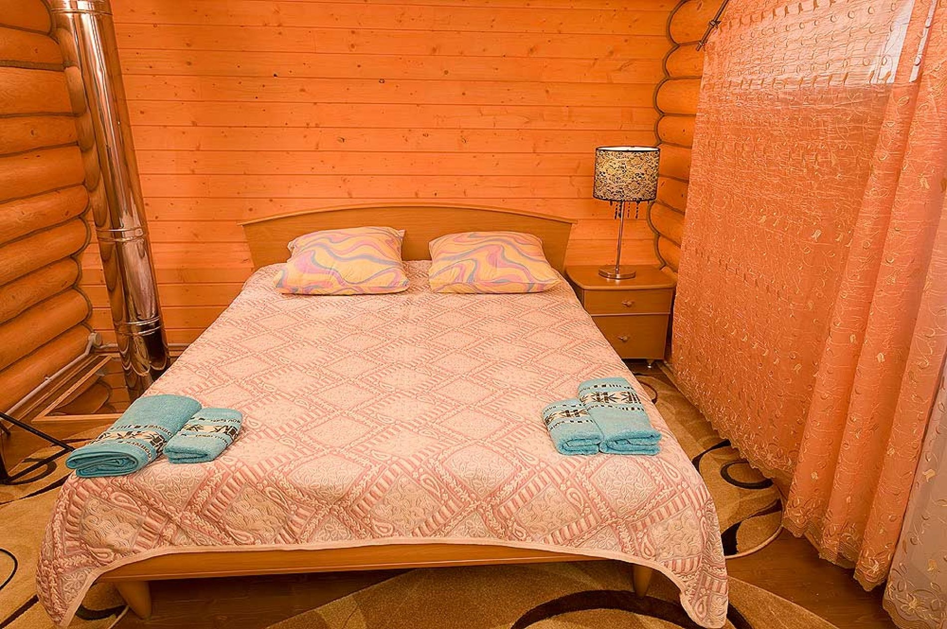 База отдыха «Зеленый Берег» Мурманская область Персиковый домик 4-местный , фото 2