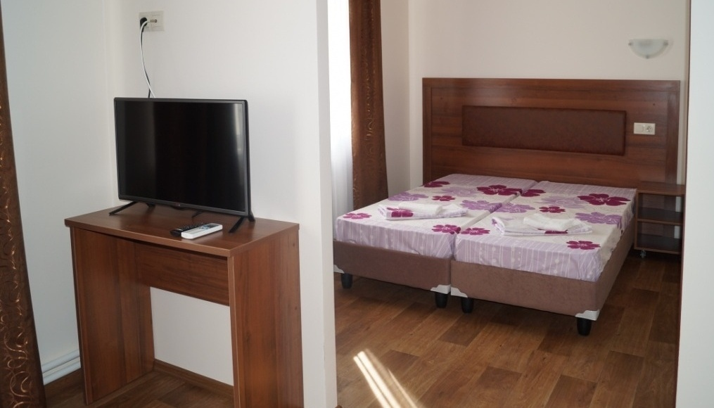 Турбаза «Тихая гавань» Самарская область Номер «Люкс» в мини-отеле «Фрегат», фото 1