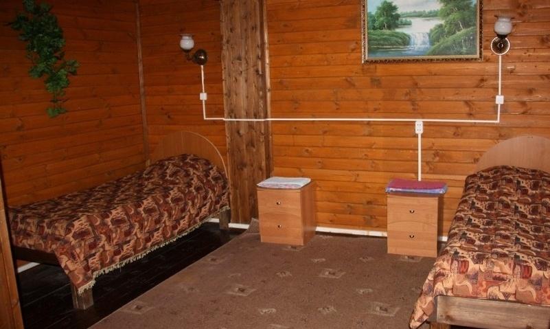 Туристический комплекс «Ботик» Ярославская область Двухместный номер с 2 кроватями и удобствами в холле на этаже №14-15, фото 1