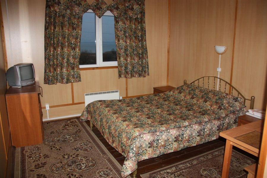 Туристический комплекс «Ботик» Ярославская область Стандартный двухместный номер с 2 кроватями №16-25, фото 1