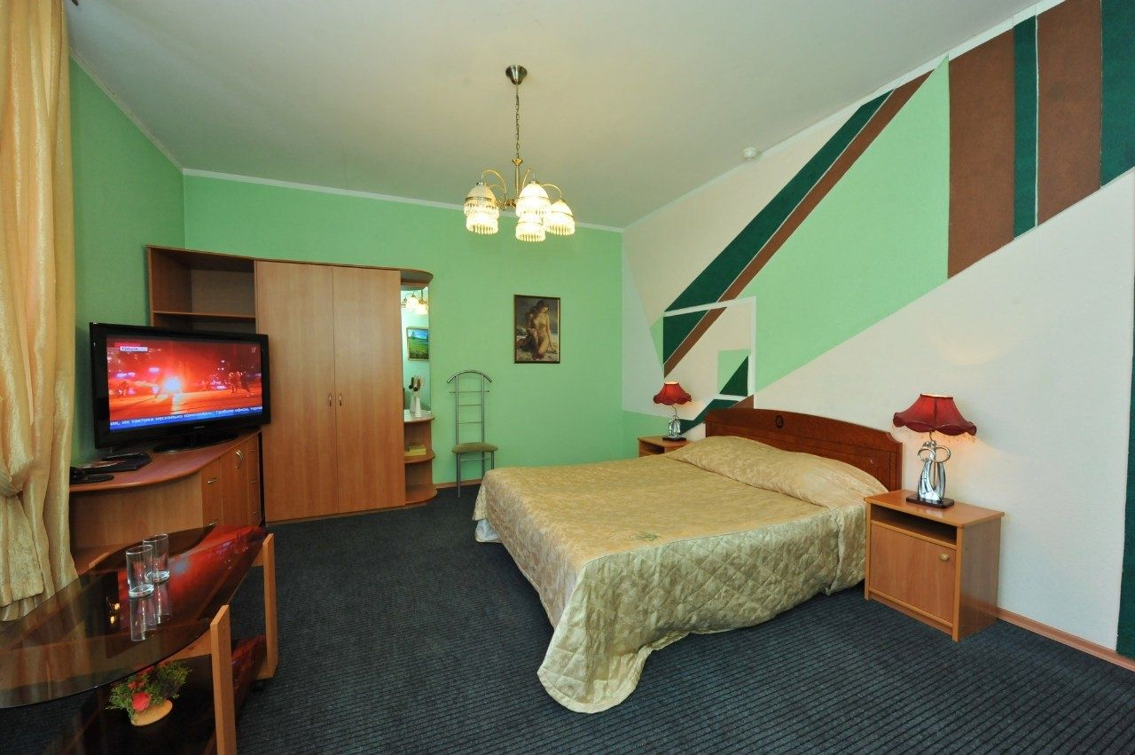 Отель «Коломяжский визит» Ленинградская область Полулюкс улучшенный, фото 3