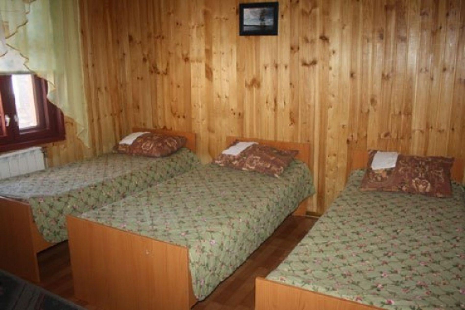 База отдыха «Кемпинг Сандал» Республика Карелия 3-местный номер в гостинице, фото 2