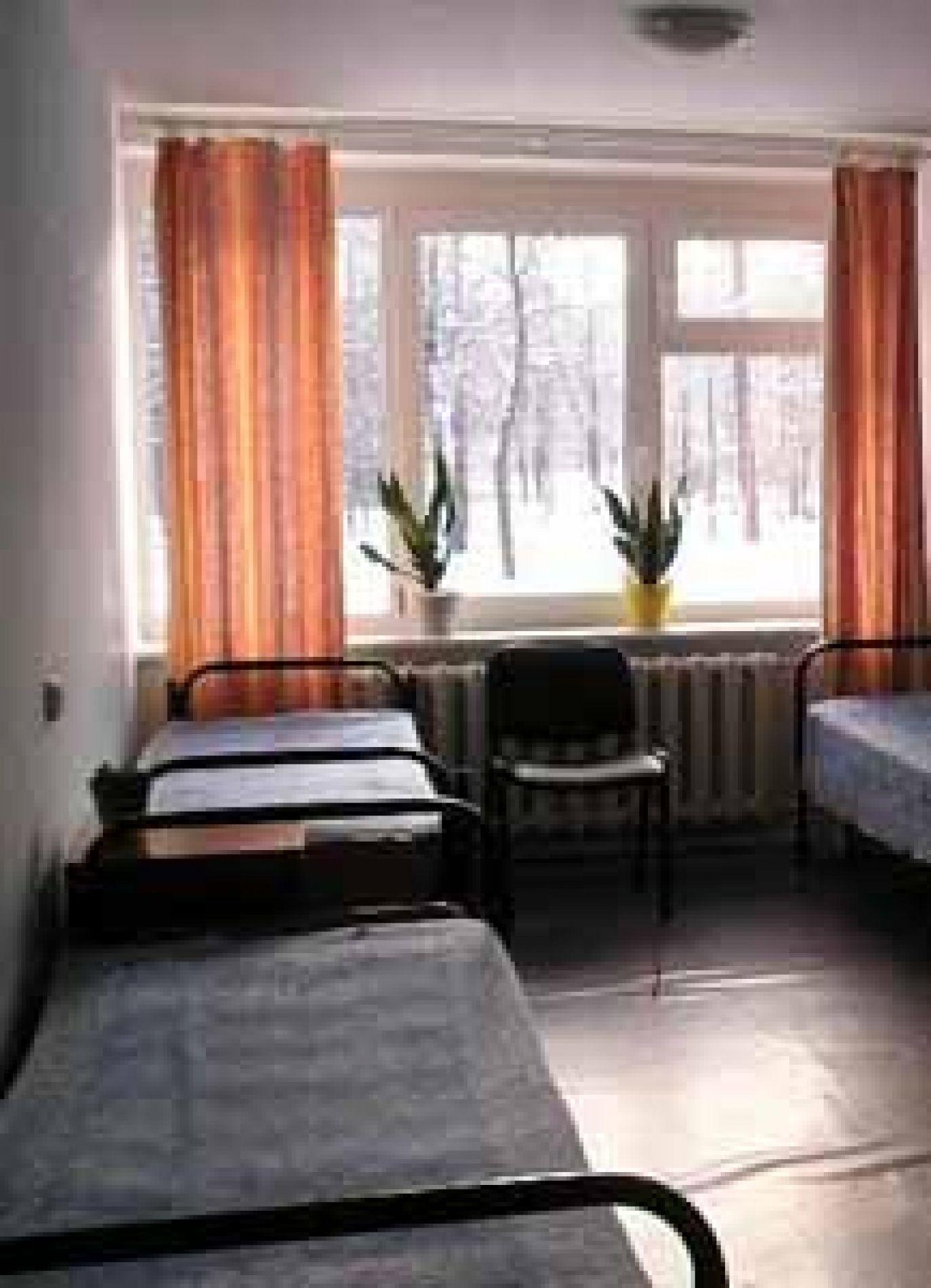 """База отдыха """"Уют"""" Ленинградская область 4-х местный номер с удобствами на этаже, фото 1"""