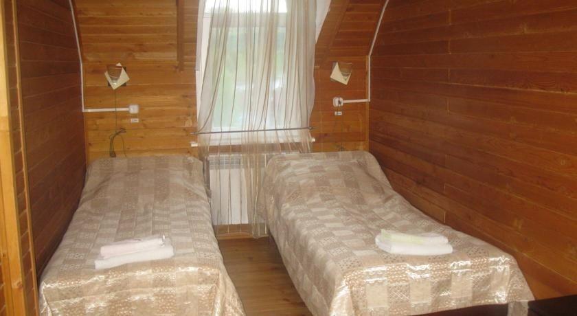 Туристический комплекс «Заимка Камза» Республика Алтай 2-комнатный 3-местный номер, фото 1