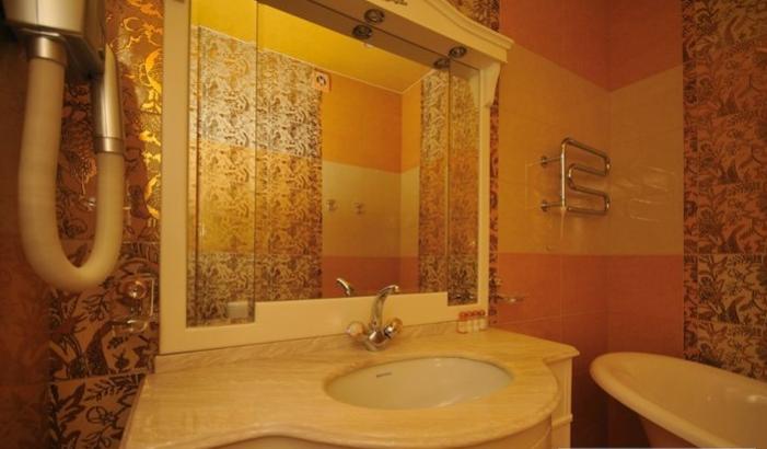 Гостиница Домбай Palace Карачаево-Черкесская Республика 3-х местный 2-х комнатный номер, фото 5