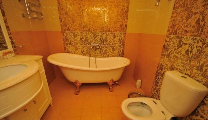Гостиница Домбай Palace Карачаево-Черкесская Республика 3-х местный 2-х комнатный номер, фото 6