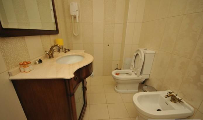 Гостиница Домбай Palace Карачаево-Черкесская Республика 4-х местный 2-х комнатный номер, фото 7
