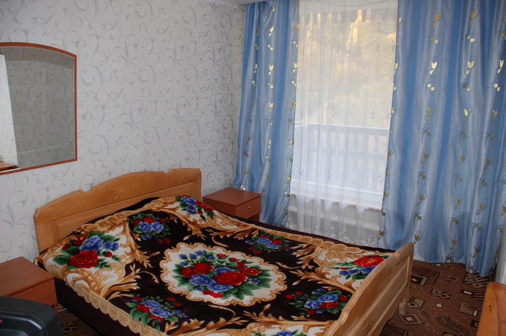 """Гостиница """"Горные вершины"""" Карачаево-Черкесская Республика 2-х местный номер """"Стандарт"""", фото 1"""