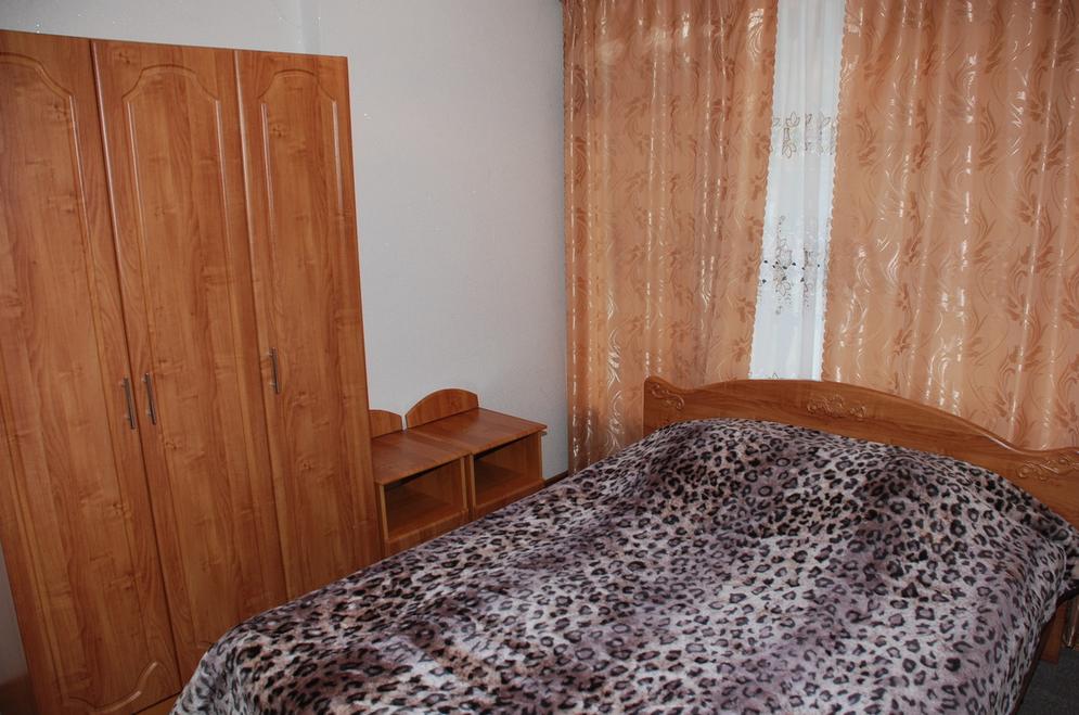 """Гостиница """"Горные вершины"""" Карачаево-Черкесская Республика 2-х комнатный номер """"Люкс"""" , фото 1"""