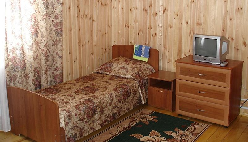 База отдыха «Сурские зори» Чувашская Республика Номер «Стандартный» в доме «Хижина Флинта», фото 2