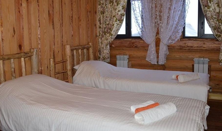 Отель на воде и база активного отдыха «Славянское подворье» Ульяновская область «Праздная изба» 10-комнатный дом, фото 2
