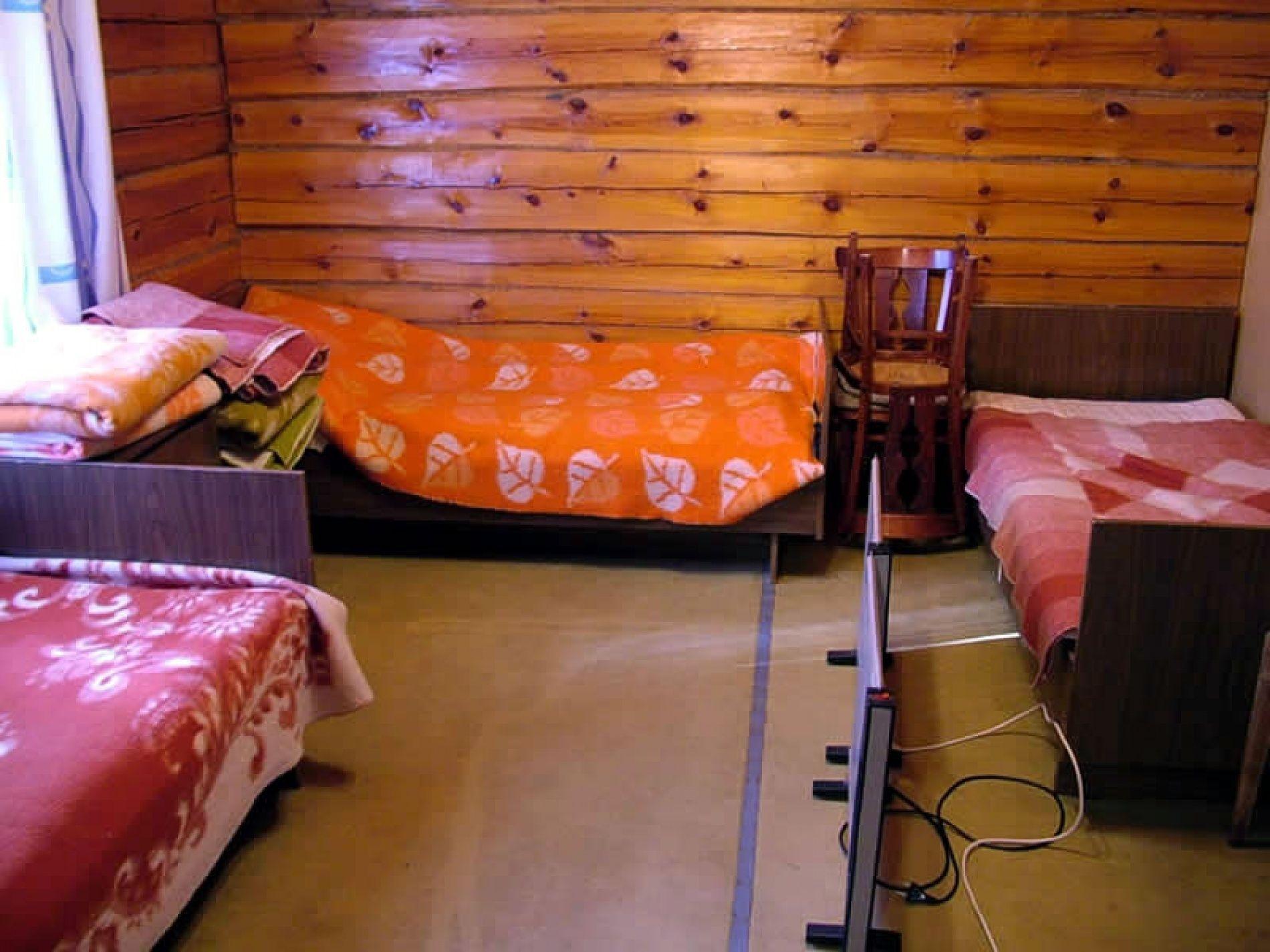 """База отдыха """"Весьегонский остров"""" Тверская область Номер экономкласса в домике, фото 3"""