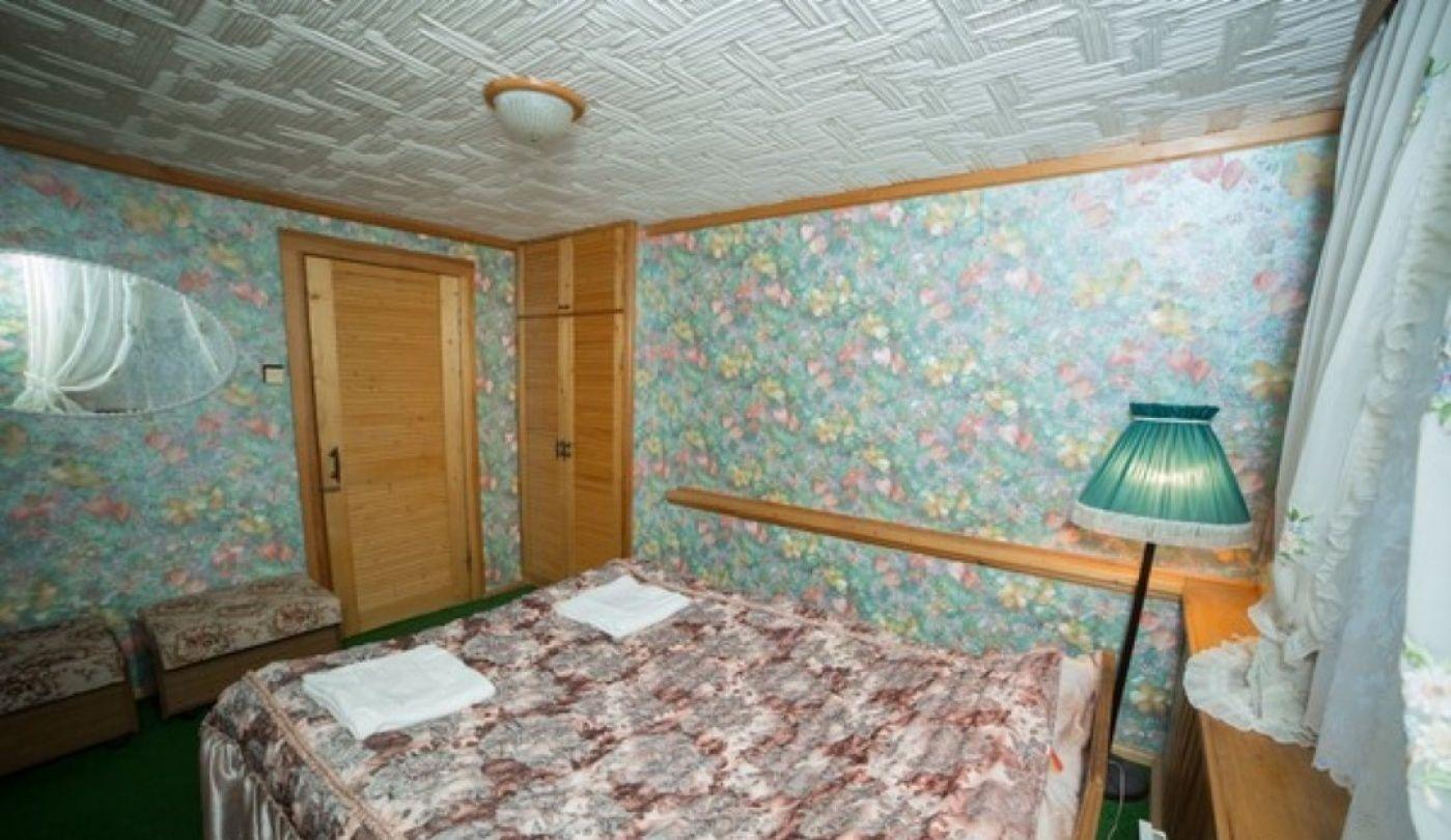 """База отдыха """"Чародейка"""" Новгородская область Стандартный номер в гостинице, фото 2"""