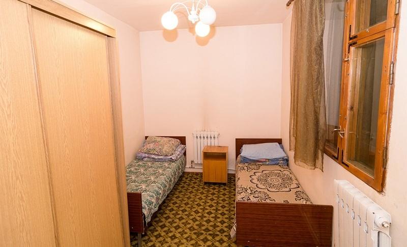 """Горнолыжный комплекс Альплагерь """"Цей"""" Республика Северная Осетия - Алания 2-х этажный каменный домик, фото 1"""