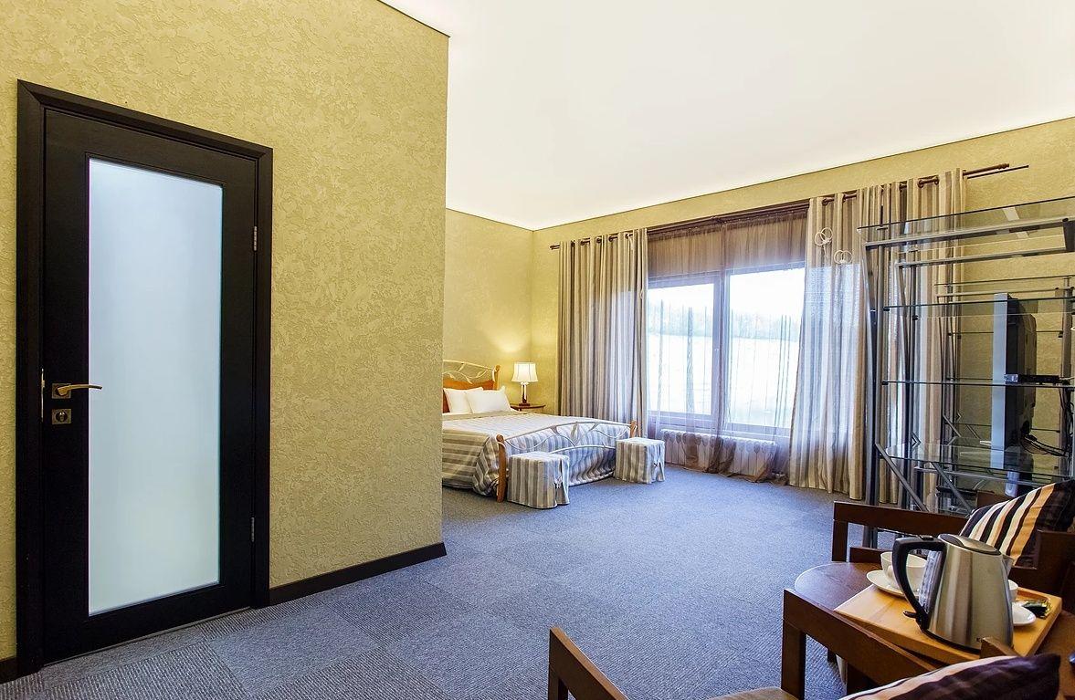 Парк-отель «Золотой Осетр» Тульская область Номер «Люкс» , фото 3