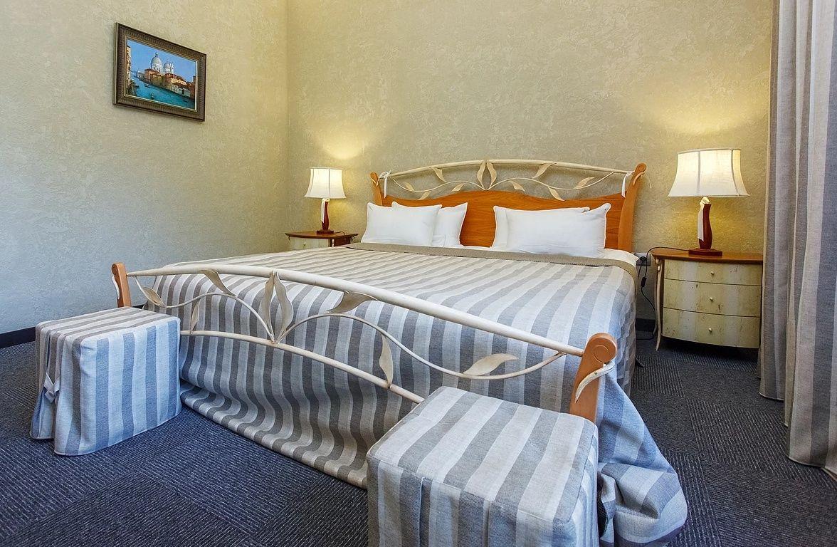 Парк-отель «Золотой Осетр» Тульская область Номер «Люкс» , фото 2
