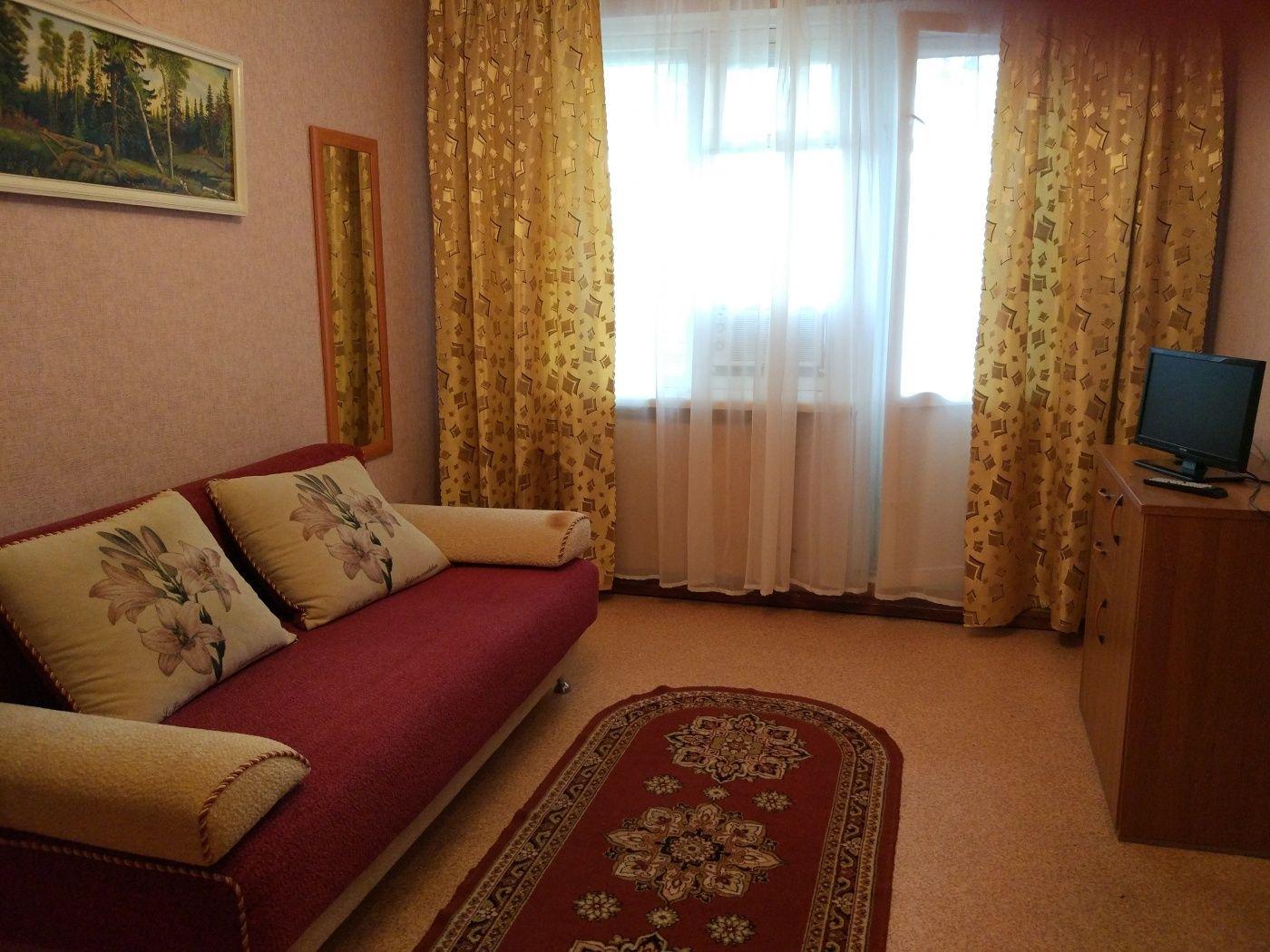Турбаза «Домостроитель» Саратовская область 2-комнатный номер «люкс» с удобствами (корпус № 1), фото 2