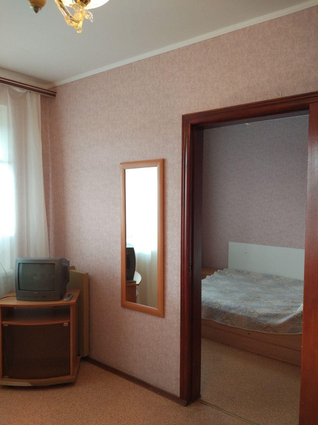 Турбаза «Домостроитель» Саратовская область 2-комнатный номер «люкс» с удобствами (корпус № 1), фото 5